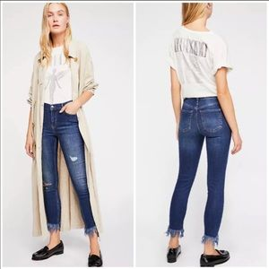 Free People Great Heights Frayed Skinny Jeans Zs27